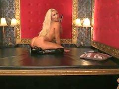 Dannii Harwood 2015-09-04 (2)