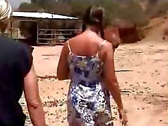 Amateur Schulmädchen Ficken auf dem Farm