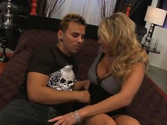 Alanah Rae loves to get penetrated hard