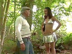 Increíble adolescente puta de El Pecho por Extraños en Woods