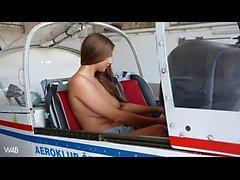 голым в аэроплана