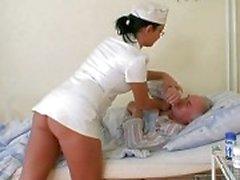 Ragazza nonno cazzo infermiera