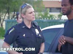 BLACK PATROL - Nous sommes la loi, mes négros, et la loi a besoin coq noir!