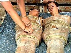 BDSM vereitelte Twinks zu helfende Hände jerk und Wichse