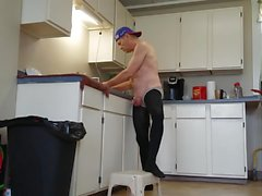 mike muters i Country Kitchen Clean up.