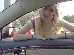Любительское подростковых Лондон Смита нарушает головой и прибита в автомобиле