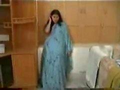 Pas getrouwd Indisch echtpaar op huwelijksreis