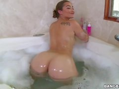 Dani Daniels Gets Fucked In The Bathroom