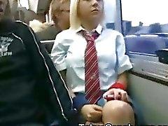 Valkoinen Koulutyttö Japanissa Bus !