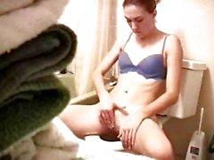 Rahibe tuvalette mastürbasyon
