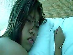 Филипина девушки на руку а осла подключены