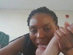 Flickvän suger kuk med Dirty Talk - RealCock två