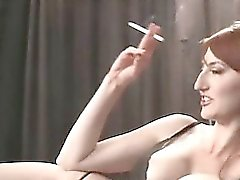 Smoking Videos Querida voluptuosas caliente