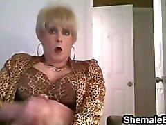 travestido masturbación