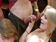 gerçekten toplu tecavüz orgy esnek bir gençlik