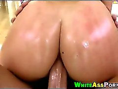 fesses Bubble Babe AJ Applegate analysé par grosse bite dure