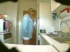 tomas de del espía madura Erika en a la cocina