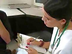 Assistente di Jacks No pazienti del dottor mentre il dottor Pellicole È