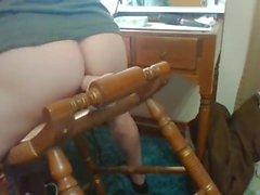 """Follando con mi silla de 7"""" y 9.5"""" juguetes - muy buena golpeando mi próstata"""