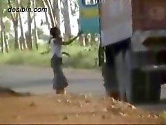 Imagens de vídeo escondida câmara de motoristas de caminhão se divertindo com Callgirls rodovias