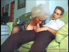 grandes mamans boob première jeune forte bite