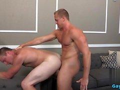 Big cazzo sesso anale gay con facciale