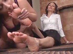 Lesbicas podolatria ( feticismo del piede lesbiche )