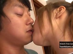 Teenager asiatico viene scopata hard