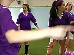 Роговой горячих Девушки в лесбийских действий тренажерном зале