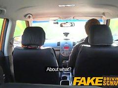 Driving School Fausse rousse mignonne Ella Hughes