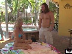 Jodi West havuzdan çarptı