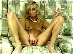 Mom ancien masturbe pour son Fils (clip teaser)