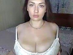 Bom grande boobs macios e aréolas grandes 2