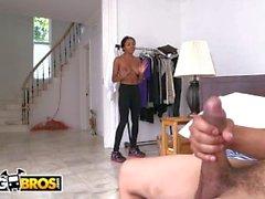 BANGBROS - Горячая черная горничная с большими сиськами Аня Айви - это жесткая гайка для взлома