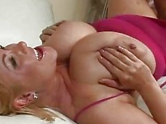 Busty And Sexy Samantha 38g Gett...