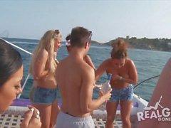 anni dell'adolescenza reale al partito yacht