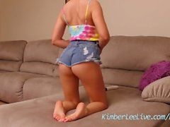 Teen Kimber Lee Masturbates While Playing with Feet!