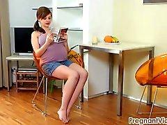 Gravid Vicky 08 av PregnantVicky ( pricka ) com