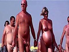 Французского пляж нудистским Кап д'Агд люди ходят обнаженной 04