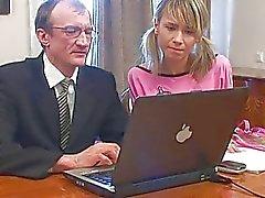 Chica reciba su hermoso cunt arrebatado por el maestro