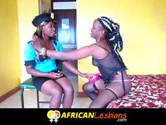 ébano lésbicas em Bonecas jogo Africano