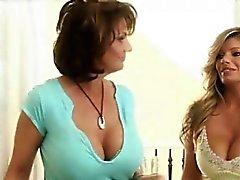 Caliente estupenda Las amas de casa Lesbian