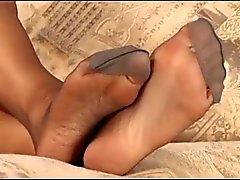 Grigie piedi sexy in nylon