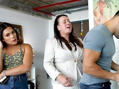 FamilyStrokes - Stepdad montre son long Dick Teen Hot
