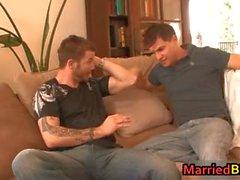 Homme marié dans sa première baiser fesses homosexuel part6