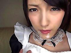 Asiatique Kanako dans serivce de cosplay maid
