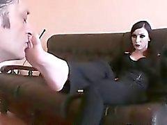 Fumadores gótica Gets Sus Pies Adorado