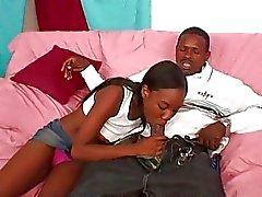 En noir étudiante fait baiser de BBC