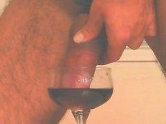 Bälle in dunklem Wein
