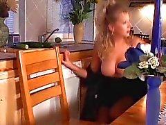 D'anna - Grande Titi Blond fait baiser FB et Stranger